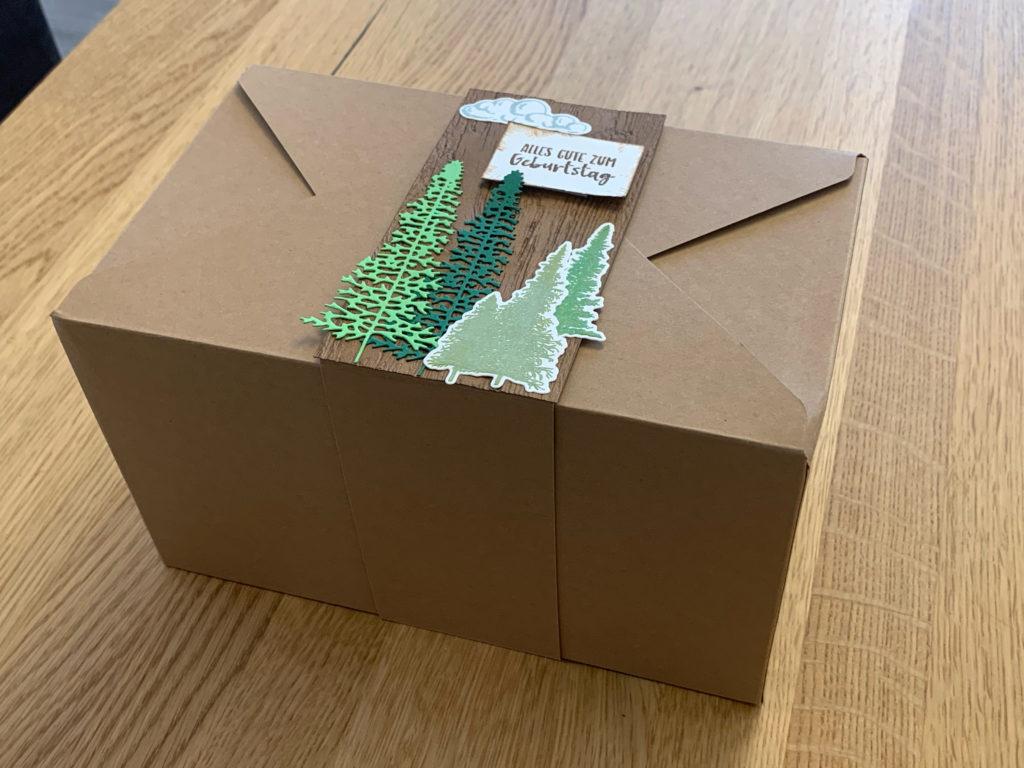 Geschenkverpackung seitlich