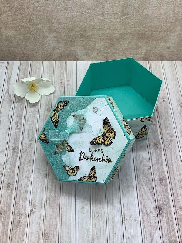 Hexagonbox_Schmetterling_Jade_offen