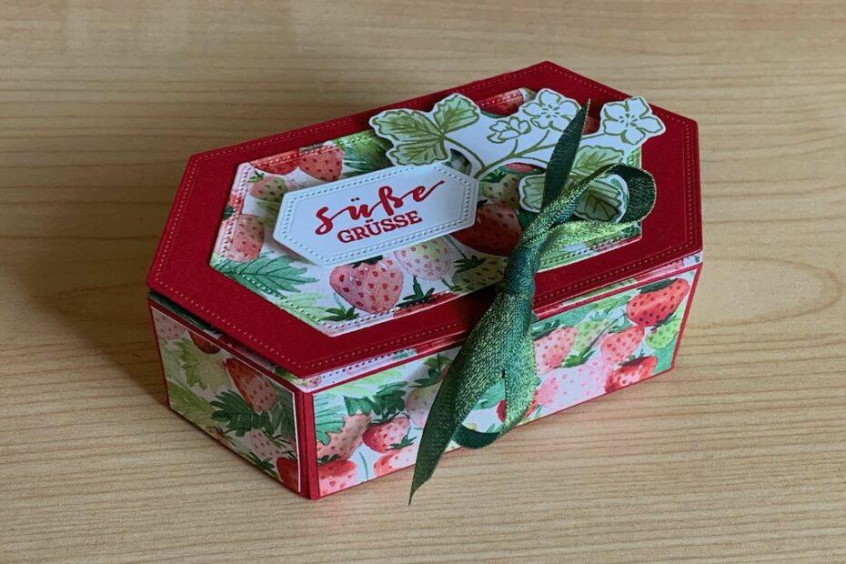 Sechseckige-Verpackung_Erdbeeren_seitlich